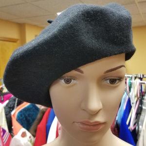 Accessories - Black 100% Wool Beret